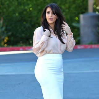 Kim Kardashian in Kim Kardashian Is Seen Heading to An Office While Filming Her Reality Series