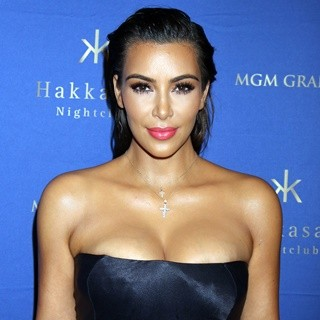 Kim Kardashian Hosts at Hakkassan