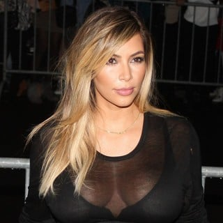Kim Kardashian in Paris Fashion Week Ready to Wear Spring-Summer 2014 - Givenchy - Arrivals