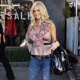 Kim Zolciak in The Real Housewives of Atlanta Star Has Lunch at The Ivy