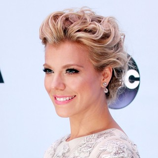 Kimberly Perry, The Band Perry in 47th Annual CMA Awards - Red Carpet