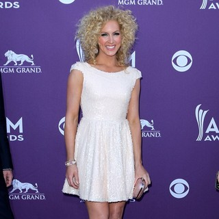 Kimberly Schlapman, Little Big Town in 2012 ACM Awards - Arrivals