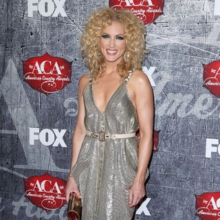 Kimberly Schlapman, Little Big Town in 2012 American Country Awards - Arrivals