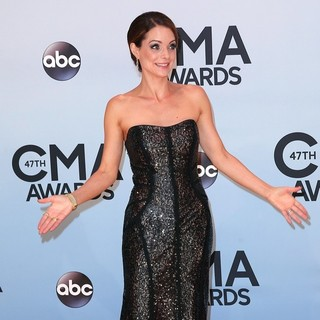 Kimberly Williams in 47th Annual CMA Awards - Red Carpet