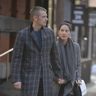 Joel Kinnaman and Olivia Munn walking in Tribeca