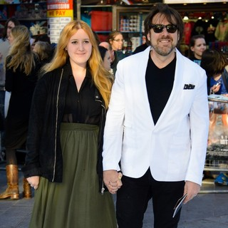 Honey Kinney, Jonathan Ross in U.K. Premiere of Star Trek Into Darkness - Arrivals