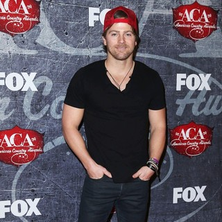 Kip Moore in 2012 American Country Awards - Arrivals