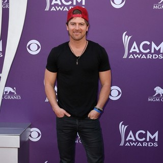 Kip Moore in 48th Annual ACM Awards - Arrivals