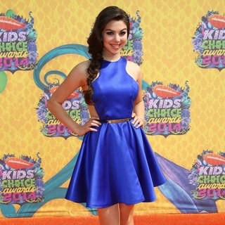 Kira Kosarin in Nickelodeon's 27th Annual Kids' Choice Awards - Arrivals