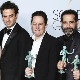 Luke Kirby, Brian Tarantina, Tony Shalhoub in 25th Annual Screen Actors Guild Awards - Press Room