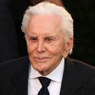 Kirk Douglas in 2012 Vanity Fair Oscar Party - Arrivals - kirk-douglas-2012-vanity-fair-oscar-party-01