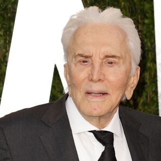 Kirk Douglas in 2013 Vanity Fair Oscar Party - Arrivals