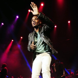 Kirk Franklin in The BET Sunday Best The King's Men Concert - kirk-franklin-the-king-s-men-concert-05