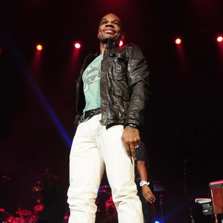 Kirk Franklin in The BET Sunday Best The King's Men Concert - kirk-franklin-the-king-s-men-concert-06