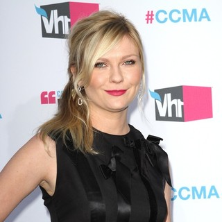 Kirsten Dunst in 17th Annual Critic's Choice Movie Awards - Arrivals