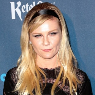 Kirsten Dunst in 24th Annual GLAAD Media Awards - Arrivals - kirsten-dunst-24th-annual-glaad-media-awards-01