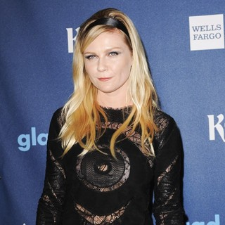 Kirsten Dunst in 24th Annual GLAAD Media Awards - Arrivals - kirsten-dunst-24th-annual-glaad-media-awards-03