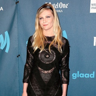 Kirsten Dunst in 24th Annual GLAAD Media Awards - Arrivals - kirsten-dunst-24th-annual-glaad-media-awards-05