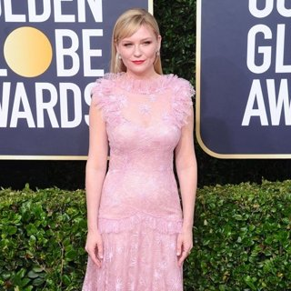 Kirsten Dunst in 77th Annual Golden Globes - Arrivals