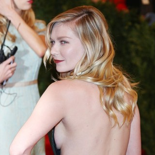 Kirsten Dunst in PUNK: Chaos to Couture Costume Institute Gala - kirsten-dunst-chaos-to-couture-costume-institute-gala-03