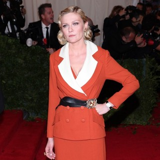 Kirsten Dunst in Schiaparelli and Prada Impossible Conversations Costume Institute Gala