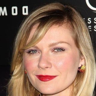 Kirsten Dunst in Upside Down Los Angeles Premiere - Arrivals