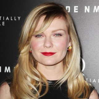 Kirsten Dunst in Upside Down Los Angeles Premiere - Arrivals - kirsten-dunst-premiere-upside-down-02