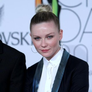 Kirsten Dunst in The 2011 CFDA Fashion Awards
