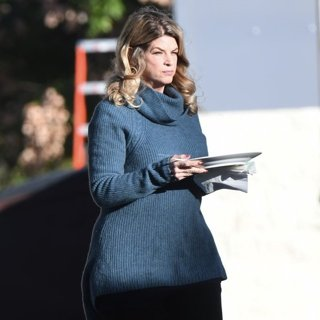Kirstie Alley-On Set Filming Scream Queens
