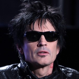 Tommy Lee in Motley Crue And KISS Announce Their Co-Headlining Tour - kiss-motley-crue-announce-co-headlining-tour-13