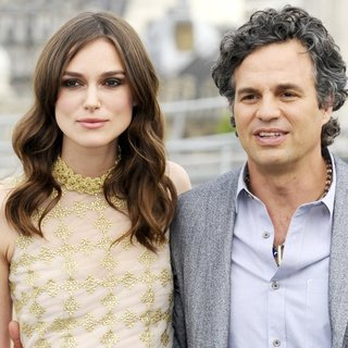 Mark Ruffalo in Begin Again Photocall - knightley-ruffalo-begin-again-photocall-01