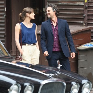 Mark Ruffalo in Filming Movie Can a Song Save Your Life? - knightley-ruffalo-filming-can-a-song-save-your-life-05