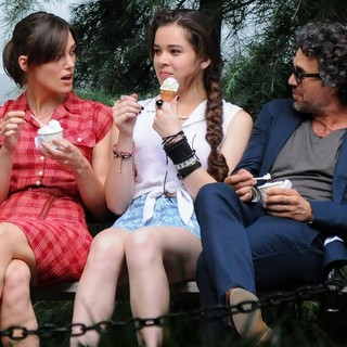 Keira Knightley, Hailee Steinfeld, Mark Ruffalo in On The Set of Movie Can a Song Save Your Life?