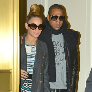 Beyonce Knowles, Jay-Z in Beyonce Knowles and Jay-Z Leaving Bergdorf Goodman