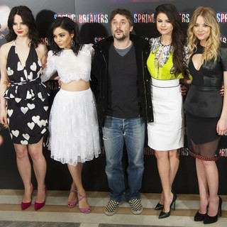 Rachel Korine, Vanessa Hudgens, Harmony Korine, Selena Gomez, Ashley Benson in Spring Breakers Photocall