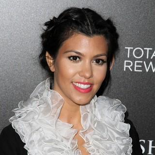 Kourtney Kardashian - Escape to Total Rewards Los Angeles