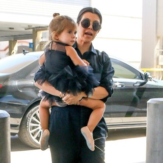 Kourtney Kardashian - Kourtney Kardashian Take Daughter to A Ballet Class