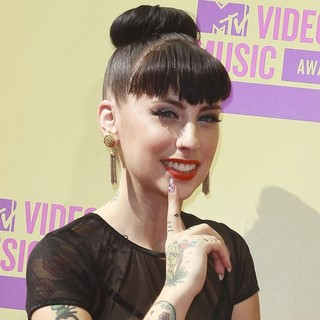 Kreayshawn in 2012 MTV Video Music Awards - Arrivals - kreayshawn-2012-mtv-video-music-awards-01