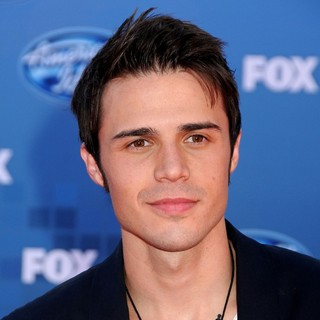 Kris Allen in The 2011 American Idol Finale
