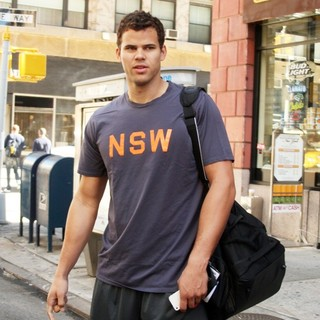 Kris Humphries in Kris Humphries Departs His Manhattan Hotel