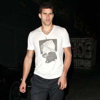 Kris Humphries in Kris Humphries Leaves Aventine Restaurant
