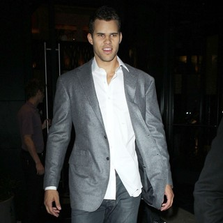 Kris Humphries in Kris Humphries leaving his hotel