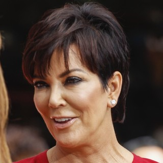 Kris Jenner Guests on Extra - kris-jenner-on-extra-01