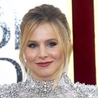 Kristen Bell in 70th Annual Golden Globe Awards - Arrivals - kristen-bell-70th-annual-golden-globe-awards-01