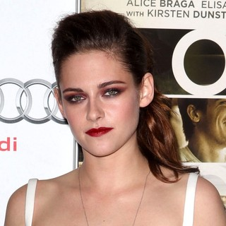 Kristen Stewart in 2012 AFI Fest - On the Road - Centerpiece Gala Screening - Arrivals