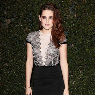 Kristen Stewart in The Academy of Motion Pictures Arts and Sciences' 4th Annual Governors Awards - Arrivals