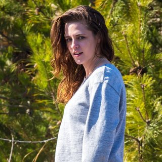 On The Set of Still Alice - kristen-stewart-on-the-set-still-alice-02