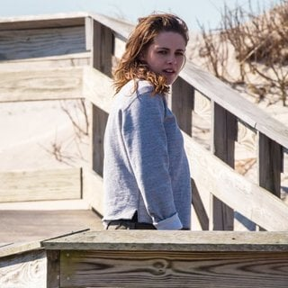 On The Set of Still Alice - kristen-stewart-on-the-set-still-alice-03