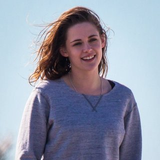 On The Set of Still Alice - kristen-stewart-on-the-set-still-alice-06