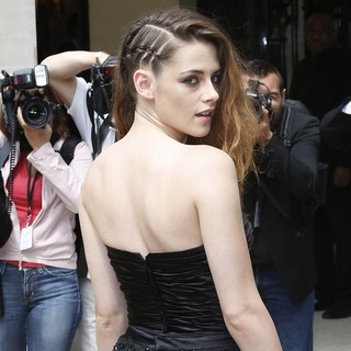 Kristen Stewart in Paris Fashion Week Haute Couture Fall-Winter 2014 - Zuhair Murad - Celebrity Arrivals